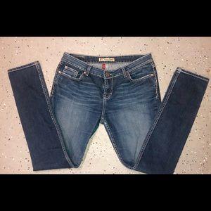 """❤️LIKE NEW❤️BKE""""Sabrina""""MidRise Skinny Jeans"""